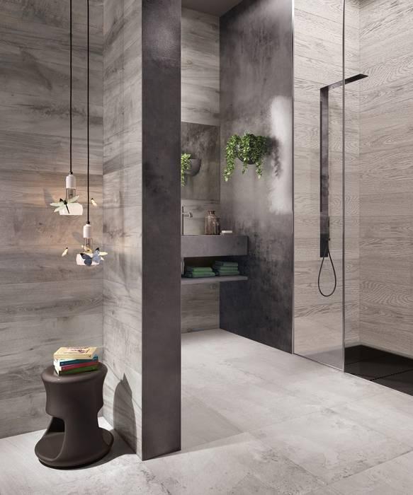 Gemütliches badezimmer mit holzoptikfliesen moderne ...