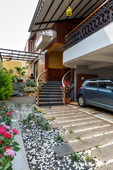 Entrance Steps with Landscaping Tropical style garden by homify Tropical