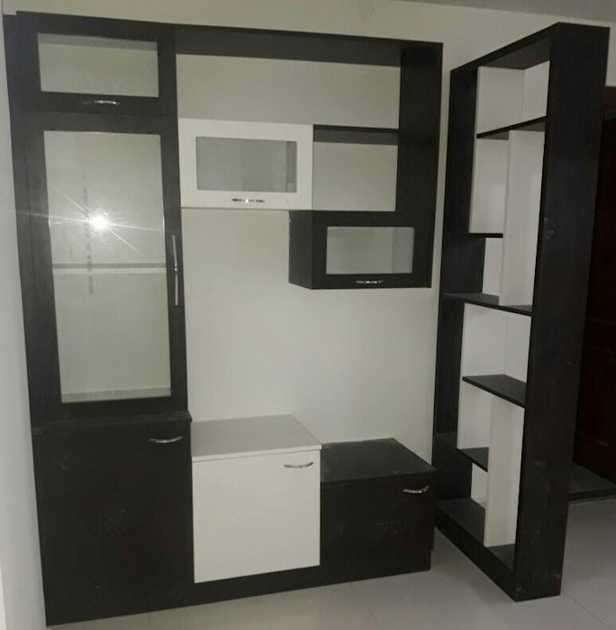Crockery Unit Online Bangalore:  Dining room by Scale Inch Pvt. Ltd.