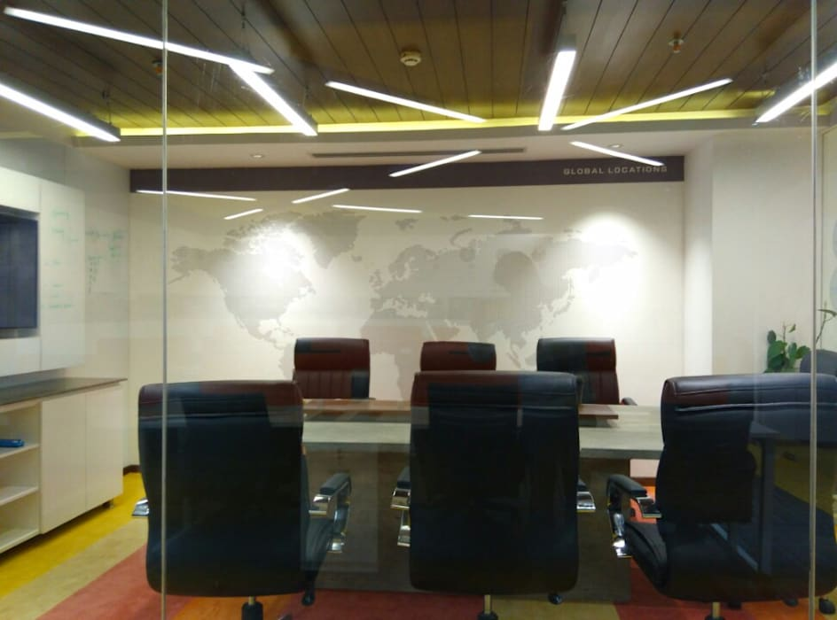 Conference Room Eclectic style study/office by Ravi Prakash Architect Eclectic Engineered Wood Transparent
