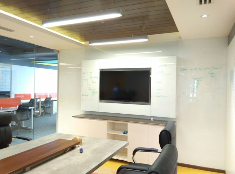 Conference Room Ravi Prakash Architect Modern study/office Engineered Wood Multicolored