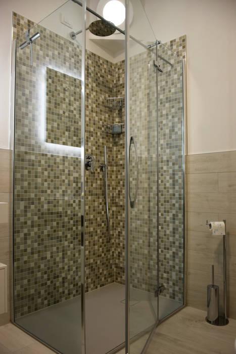 il bagno: Bagno in stile in stile classico di Studio Tecnico Progettisti Associati Ing. Marani Marco & Arch. Dei Claudia