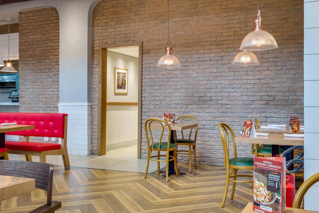 Brique Personalizado Paredes e pisos modernos por Guaraúna Revestimentos Moderno