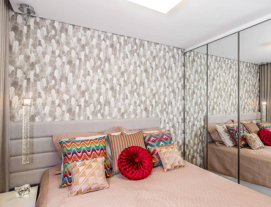 Dormitorios de estilo moderno de Arquitetura Sônia Beltrão & associados Moderno Tablero DM