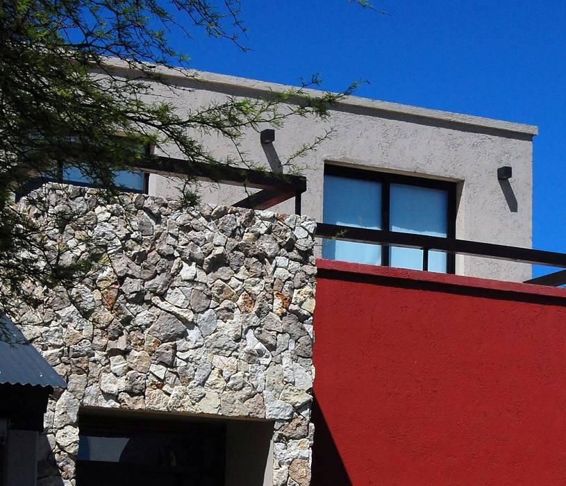 Materiales: Casas unifamiliares de estilo  por Estudio 6