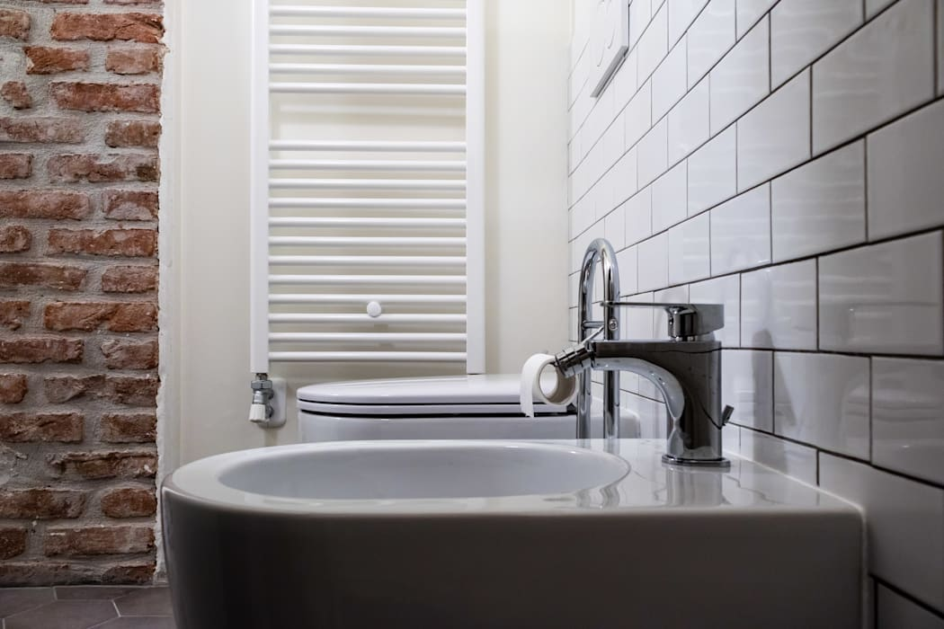 Laura Galli Architetto Modern bathroom