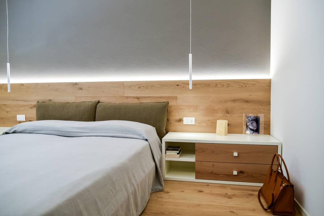 "Casa ""Cieloterra"" Camera da letto moderna di Claude Petarlin Moderno Legno Effetto legno"