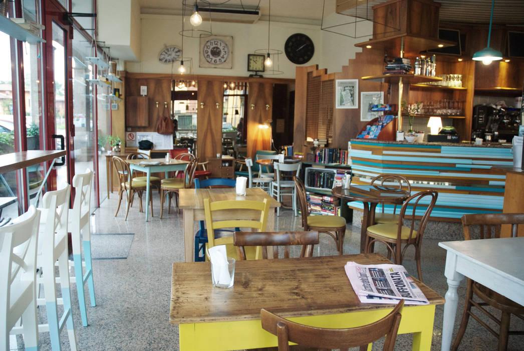 *CROCEVIA CAFFE'*: Bar & Club in stile  di Le 18:00
