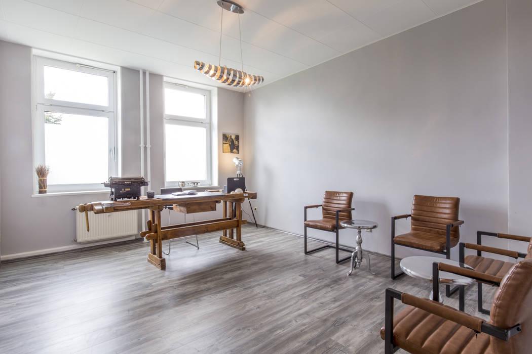 Neues interieur für eine arztpraxis moderne arbeitszimmer ...