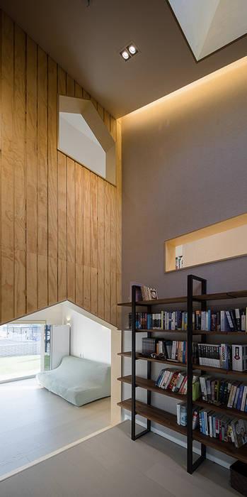 Modern Study Room and Home Office by 소하 건축사사무소 SoHAA Modern