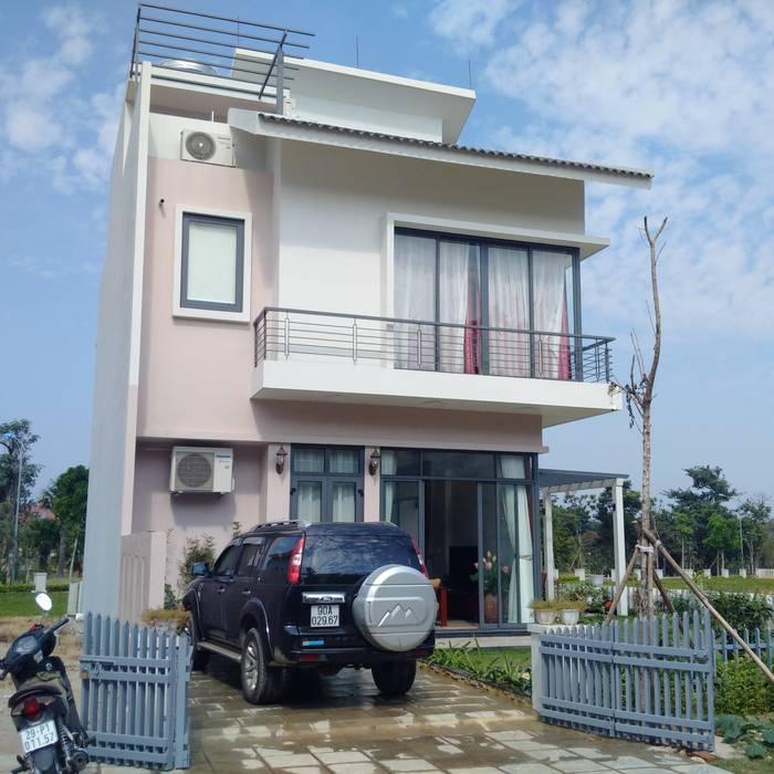 Cửa Kính và Cầu thang Kính bởi TNHH XDNT&TM Hoàng Lâm Hiện đại