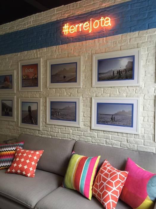Brique Neve Salas de estar modernas por Guaraúna Revestimentos Moderno