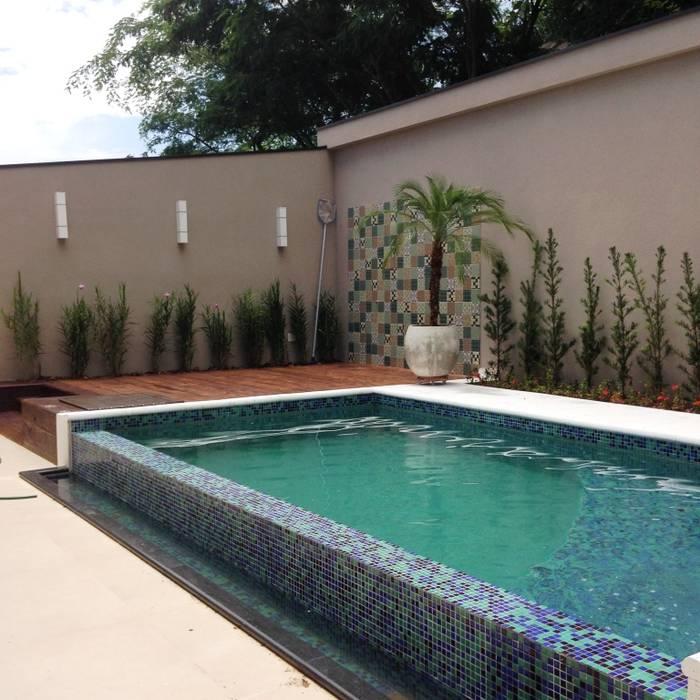 Modern pool by Erlon Tessari Arquitetura e Design de Interiores Modern