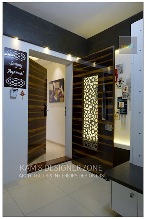 Entrance Interior of Mr. Sanjay Agarwal KAM'S DESIGNER ZONE Modern corridor, hallway & stairs