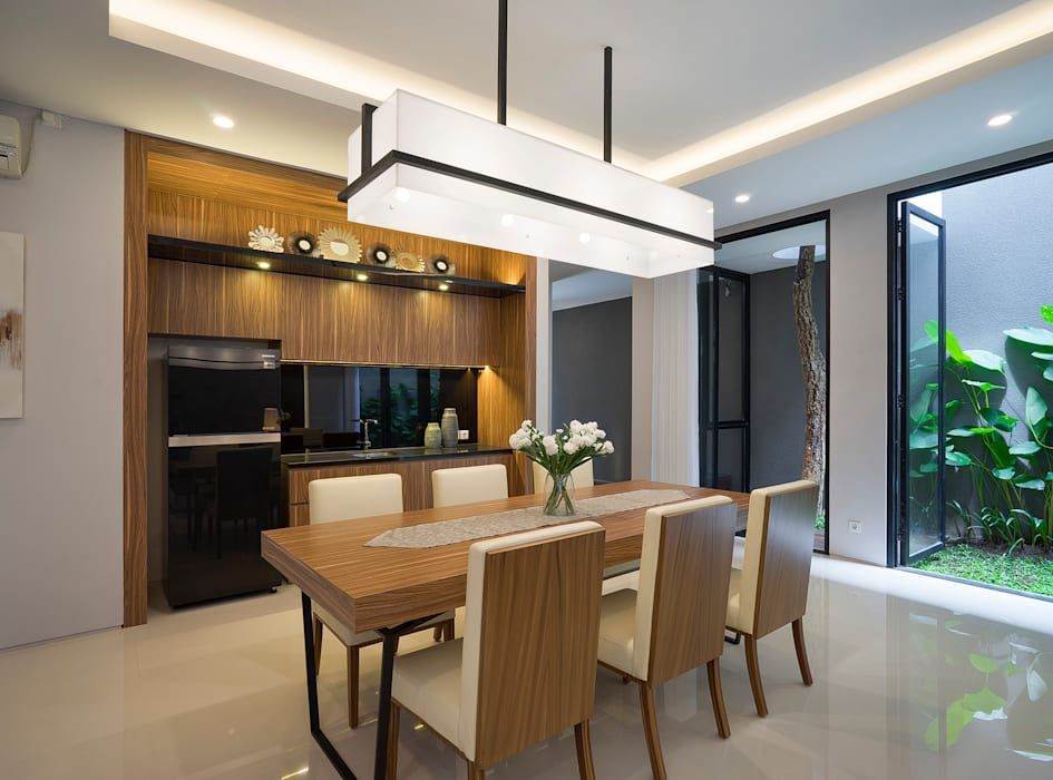 Tropical style dining room by Simple Projects Architecture Tropical Plywood
