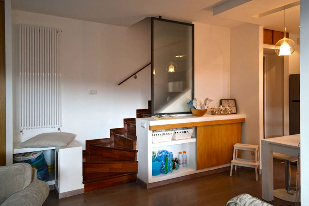 Casa AV – Ampliamento e sviluppo verticale: Scale in stile  di arch. Paolo Pambianchi