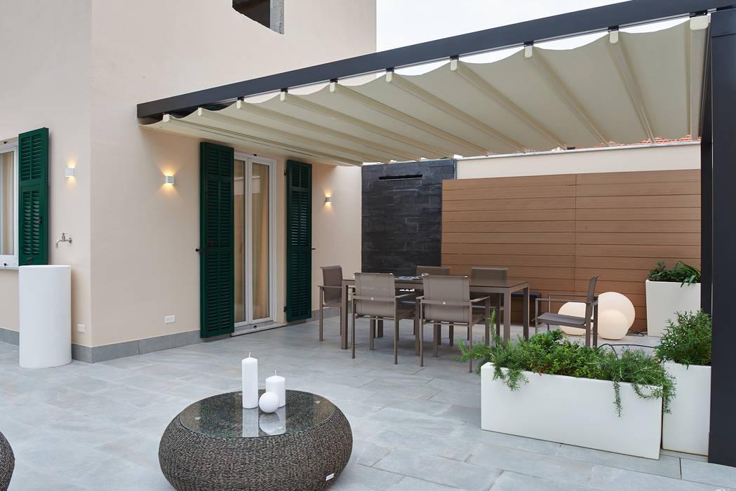 Balcones y terrazas de estilo moderno de ArchiDesign LAB Moderno