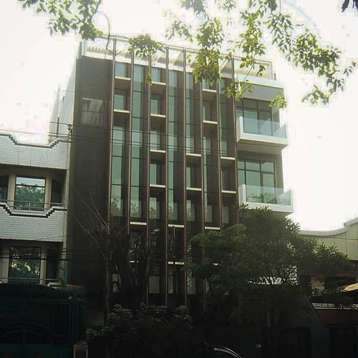 PB131 Office: Gedung perkantoran oleh Simple Projects Architecture, Modern Aluminium/Seng