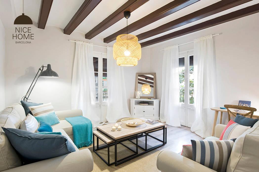 Proyecto Ramblas Salas de estilo mediterraneo de Nice home barcelona Mediterráneo