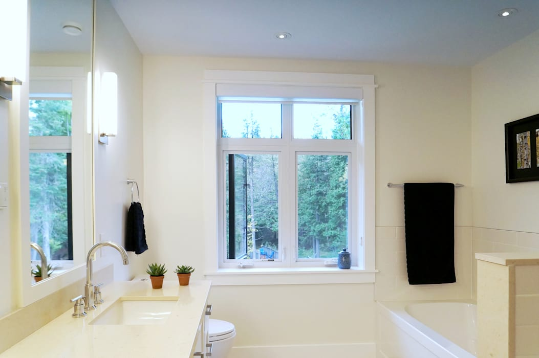 Credit River Valley House - Bathroom Country style bathroom by Solares Architecture Country