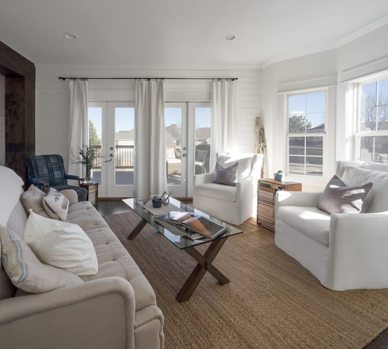 Living Room by Laura Medicus Interiors Rustic