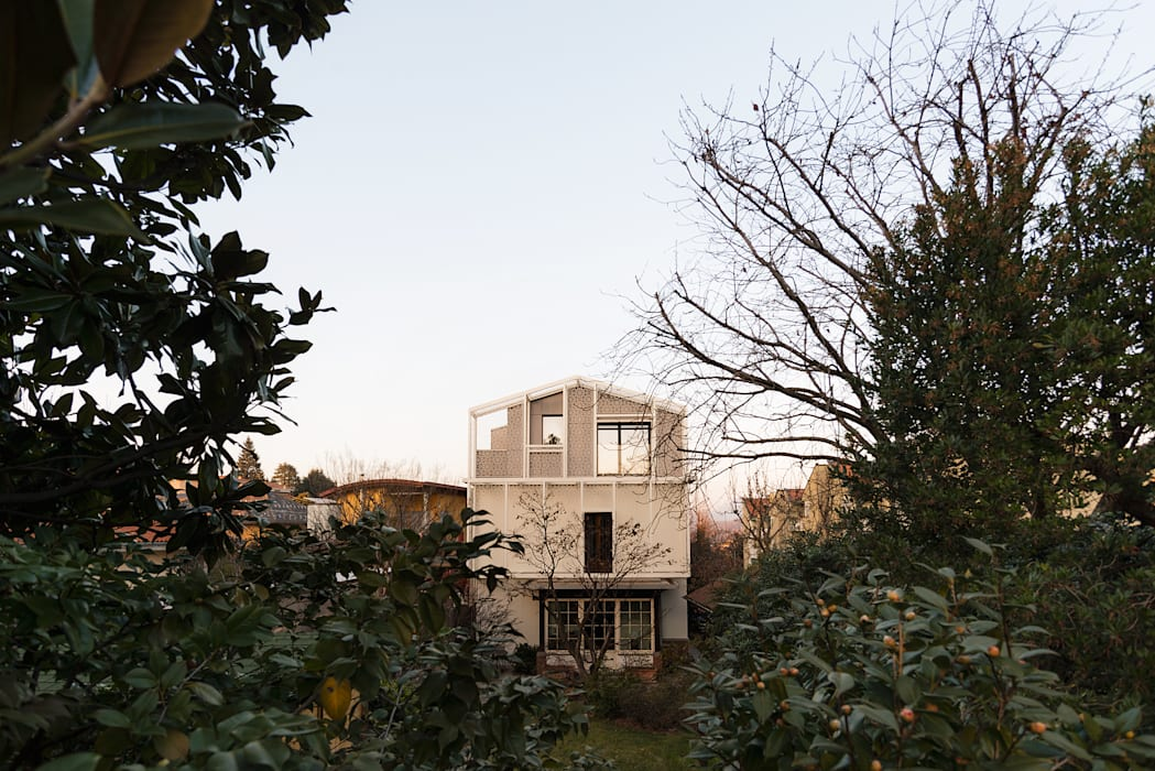 Sopralzo in legno a Varese: Casa di legno in stile  di Novello Case in Legno