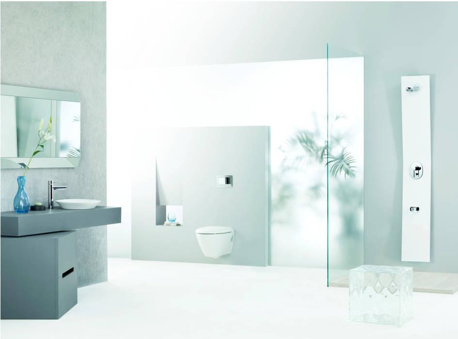 Minimal English inspired living spaces Minimalist bathroom by Papersky Studio Minimalist