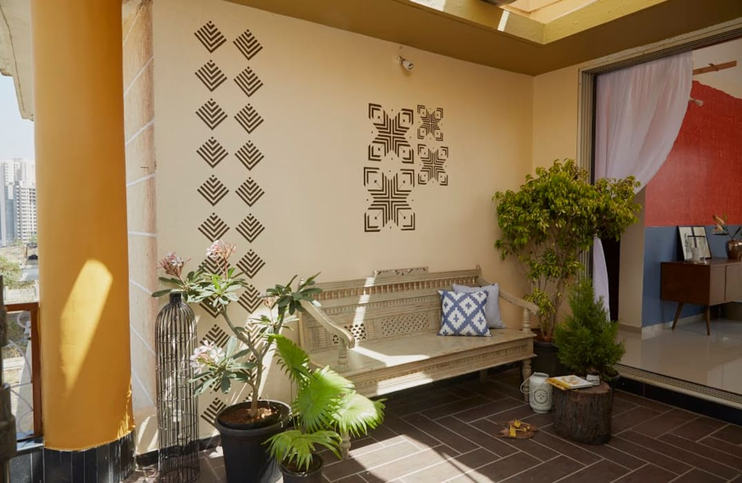 Tropical Spaces Papersky Studio Tropical style balcony, veranda & terrace