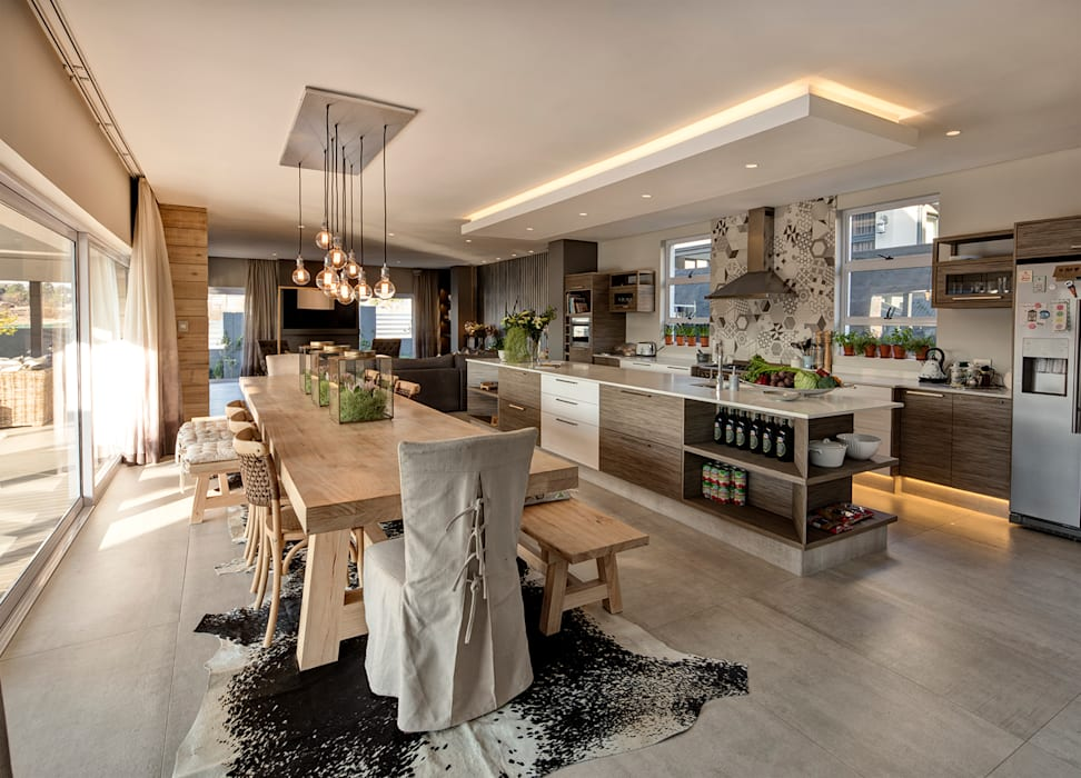 :  Dining room by Spegash Interiors