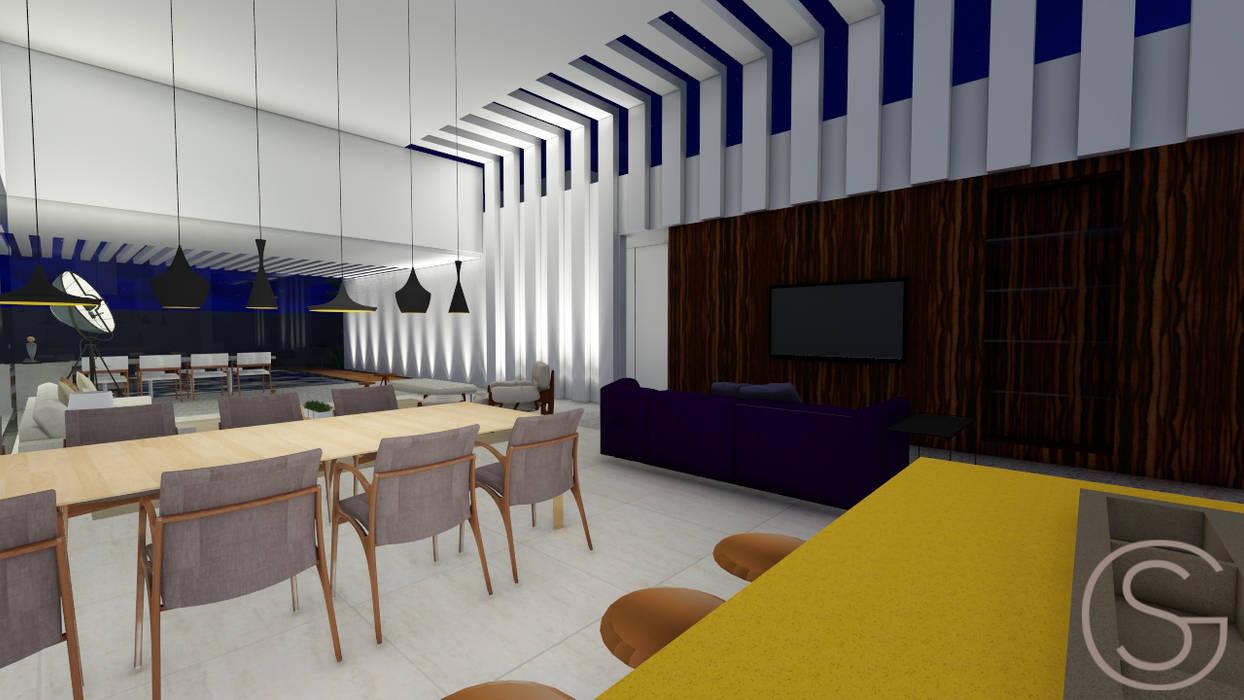 Salas Integradas Salas multimídia tropicais por Gislene Soeiro Arquitetura e Interiores Tropical