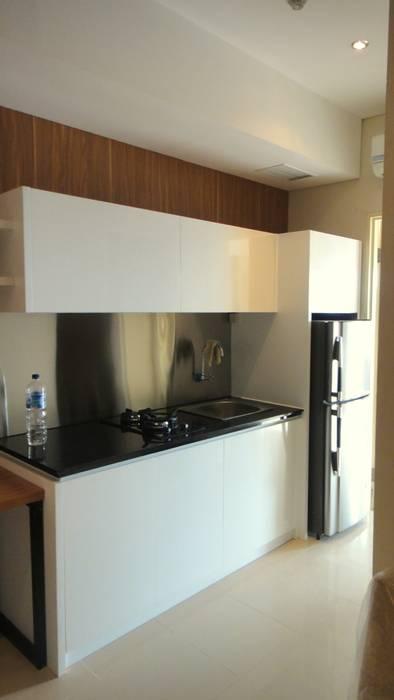 Old Project 2012: Dapur oleh Budi Setiawan Design Studio, Modern