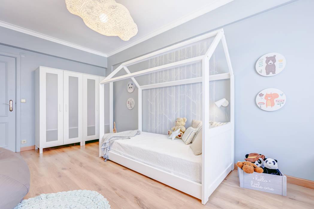 ห้องนอนเด็ก โดย Santiago | Interior Design Studio ,