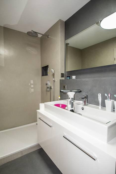 Moderne bäder moderne badezimmer von malerbetrieb maleroy ...
