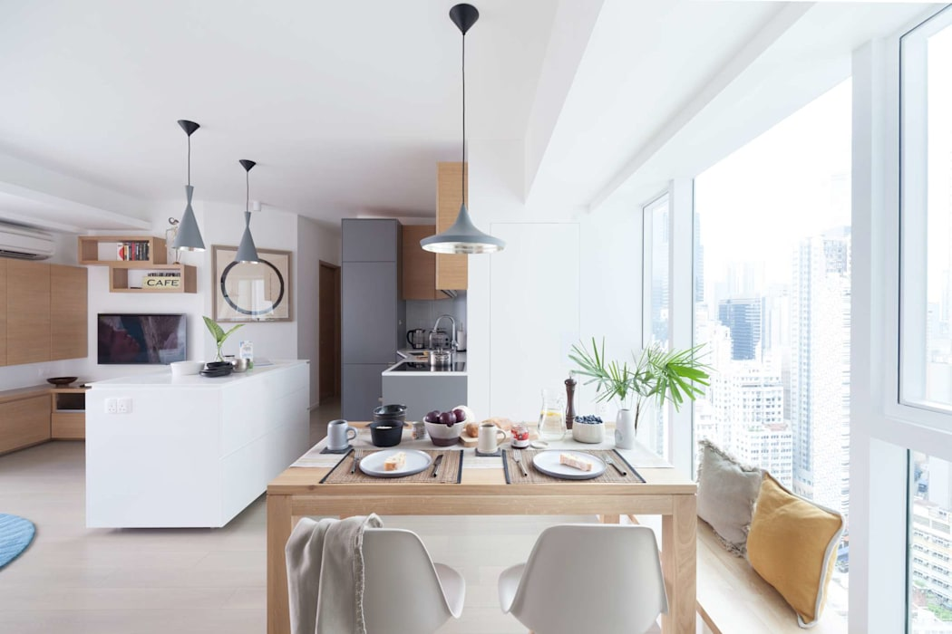 Cherry Crest B:  Dining room by Clifton Leung Design Workshop