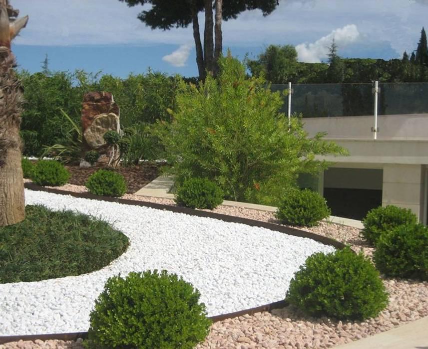Jardines de estilo  por Arch. Giuseppe Barone _ Studio di Architettura & Tutela del Paesaggio, Mediterráneo Pizarra