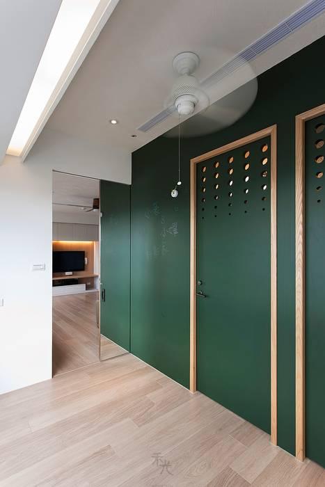 兒童房:  嬰兒房/兒童房 by 禾光室內裝修設計 ─ Her Guang Design