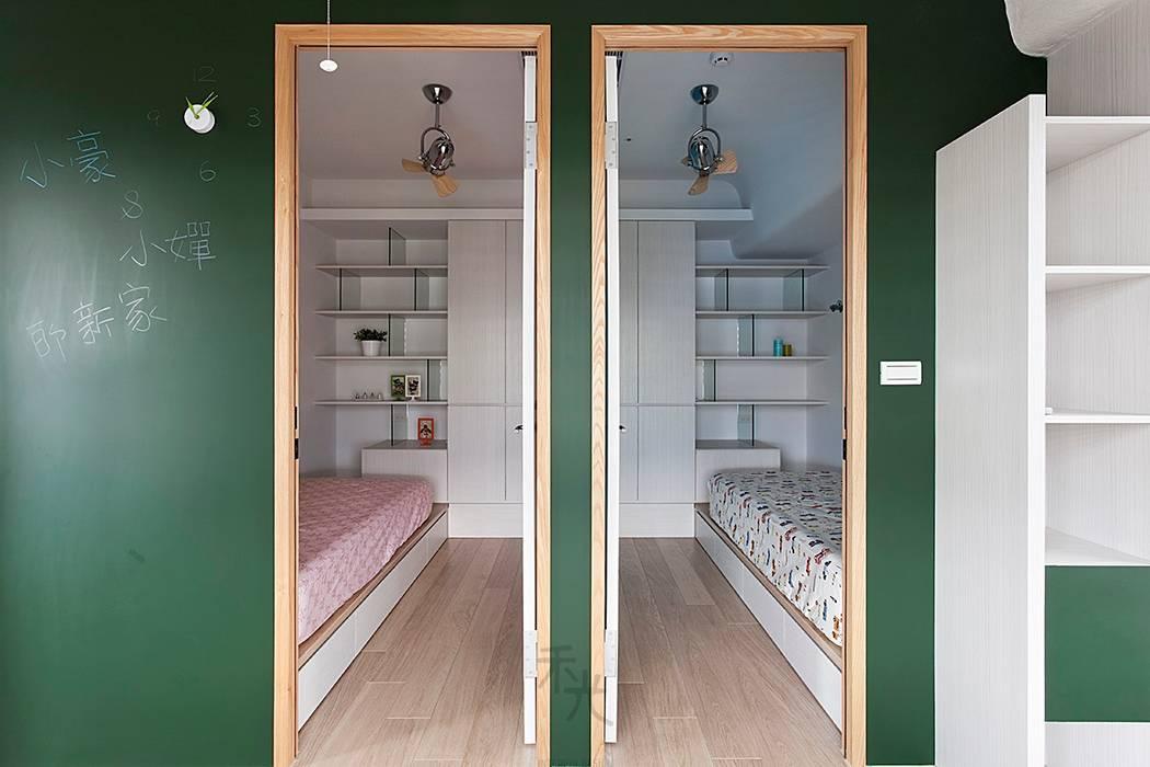 孩房:  嬰兒/兒童房 by 禾光室內裝修設計 ─ Her Guang Design