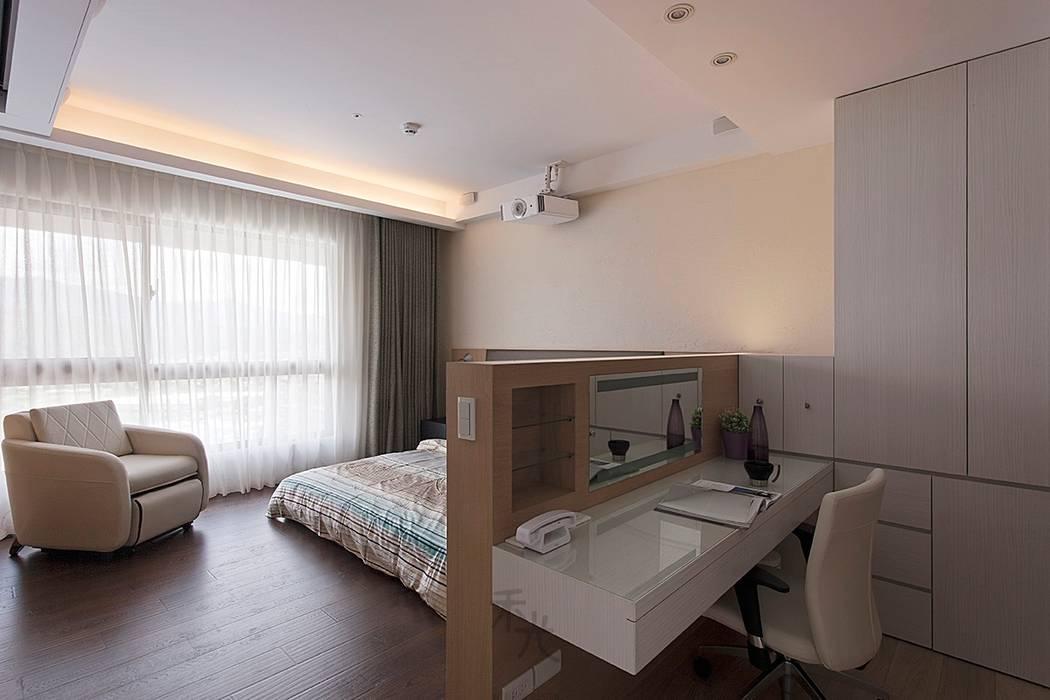 主臥房:  臥室 by 禾光室內裝修設計 ─ Her Guang Design