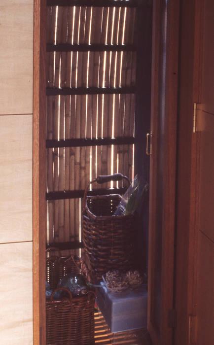 【混構造(ハイブリッド)人工地盤の庭】 (1F鉄筋コンクリート+2.3F木造) オリジナルデザインの ワインセラー の (株)独楽蔵 KOMAGURA オリジナル