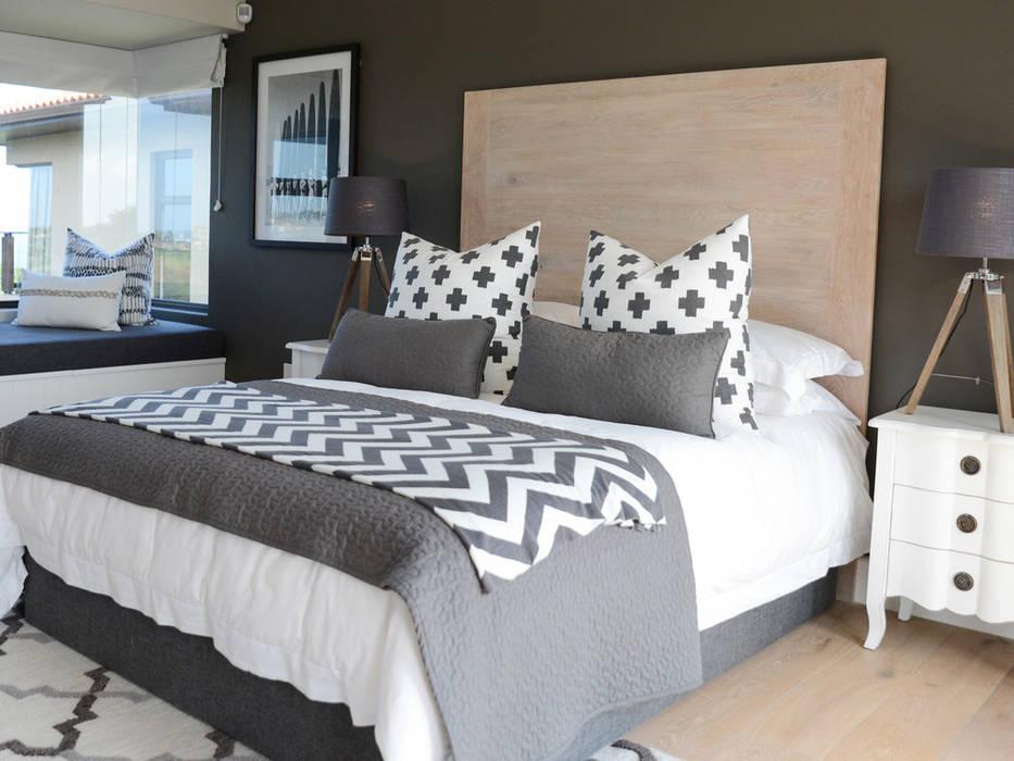 Coastal Living :  Bedroom by Studio Mitchell