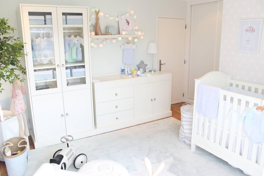 Cuarto del bebé de estilo  por Catarina Batista Studio, Escandinavo