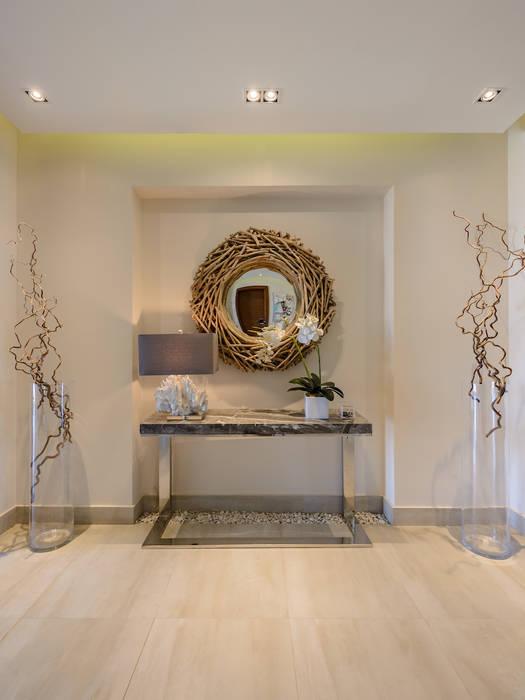 North Coast Villa الممر الحديث، المدخل و الدرج من Hossam Nabil - Architects & Designers حداثي