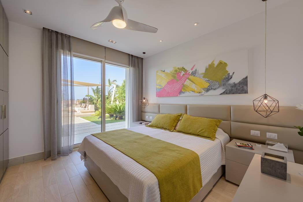 غرفة نوم تنفيذ Hossam Nabil - Architects & Designers