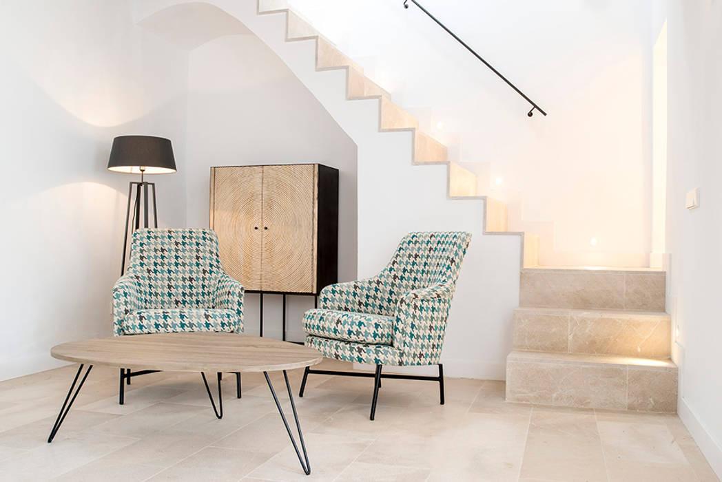 Oleh Bornelo Interior Design Eklektik