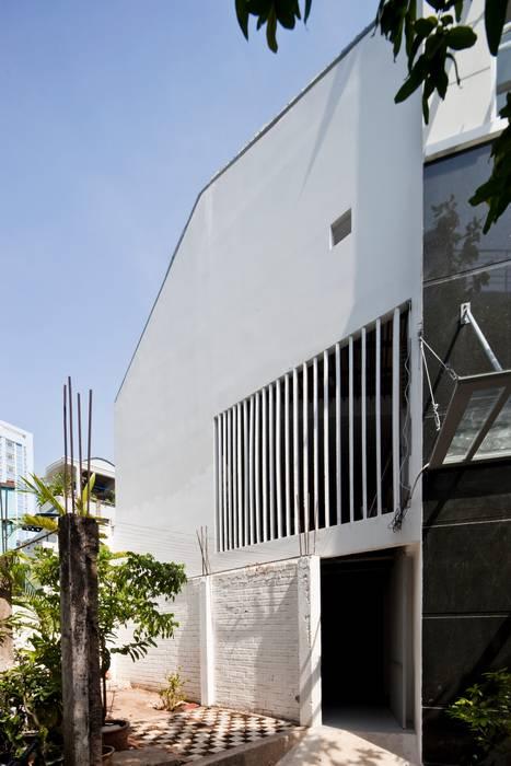 a21house Moderne Wände & Böden von a21studĩo Modern