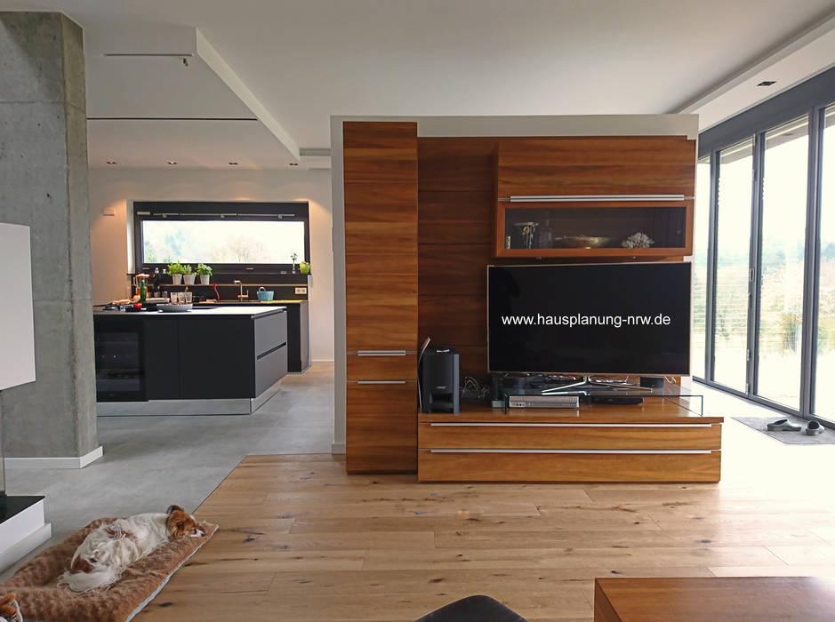 Einfamilienhaus Im Bauhausstil Wohnzimmer Von Dipl Ing