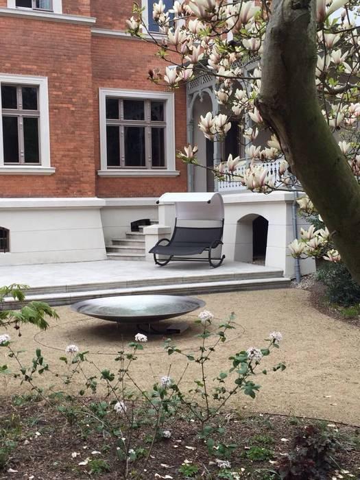 Wasserschale: moderner Garten von guba + sgard Landschaftsarchitekten