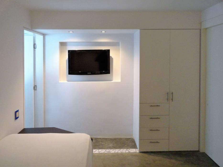 Apartamento de Playa: Cuartos de estilo  por RRA Arquitectura, Minimalista Concreto