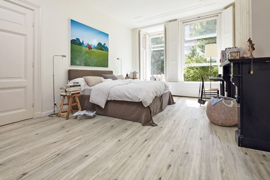 Designboden Tescara: klassische Schlafzimmer von MeisterWerke Schulte GmbH
