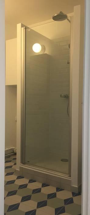 Carreaux dément : Salle de bains de style  par Thomas JENNY